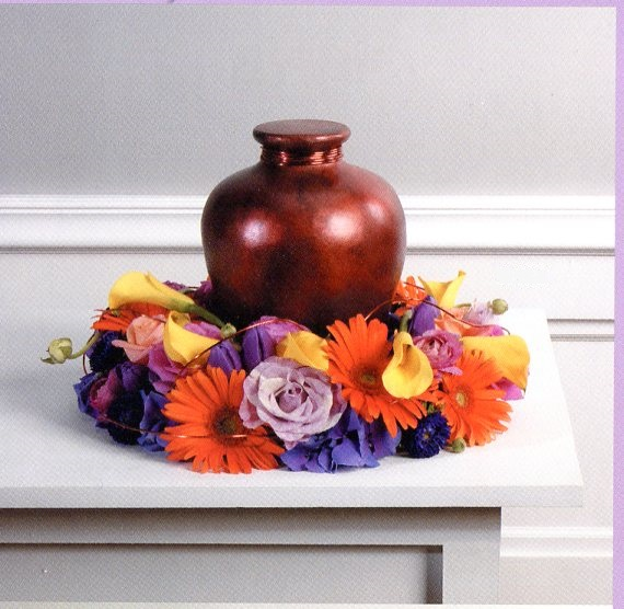 Mixed Urn Wreath